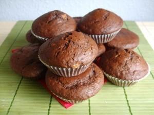 86252 muffiny czekoladowe z bananami i dzemem 0 2 300x225 Czekoladowe muffinki