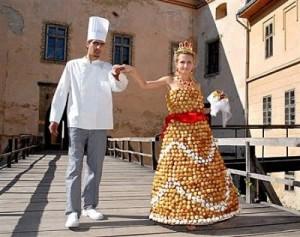 najdziwniejsze4 300x237 Najdziwniejsze suknie ślubne