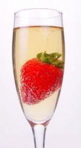 3272663440 a17ce6e4e9 164x300 Truskawki w towarzystwie szampana