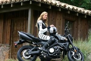 gallery 74535876 500x500 300x200 Kobiety na motory