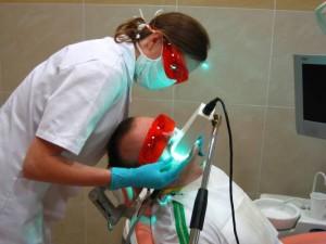wybielanie1d 300x225 Metody wybielania zębów