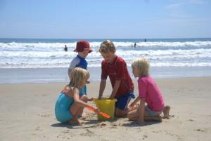 Fot.sxc .hu dzieci 300x201 Rodzinne plażowanie