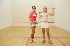Squash 1 300x199 Najmodniejszy i jeden ze zdrowszych sportów świat