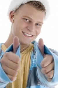 3844294 zadowolony czlowiek pragnacy goodluck na pojedyncze bialym tle 199x300 Smak życia   pasja, talent, szczęście okiem psychologa