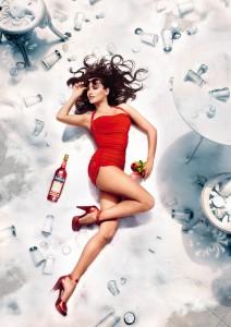 470631 212x300 Penelope Cruz w kalendarzu Campari 2013