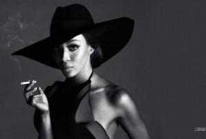5757e331002b088f50b5e509 300x202 Kate Moss i Naomi Campbell razem na okładce Interview