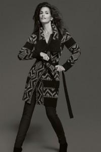 ccrawford canda3 v 21aug12 pr b 592x888 200x300 Cindy Crawford projektuje dla H&M