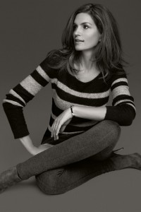 ccrawford canda8 v 21aug12 pr b 592x888 200x300 Cindy Crawford projektuje dla H&M