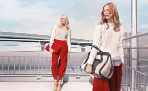 chloe fall winter 2012 13 02 300x185 Anja Rubik i Suvi Koponen w najnowszej kampanii Chloe