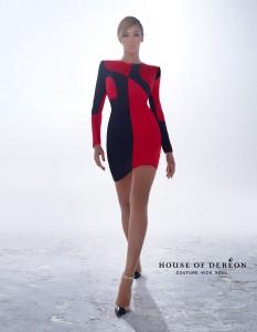hodinsidepostnew 233x300 Beyonce reklamuje kolekcję House Of Dereon