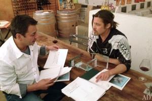 item3.rendition.slideshowWideHorizontal.brad pitt frank pollaro furniture 01 portrait 300x200 Brad Pitt projektuje meble
