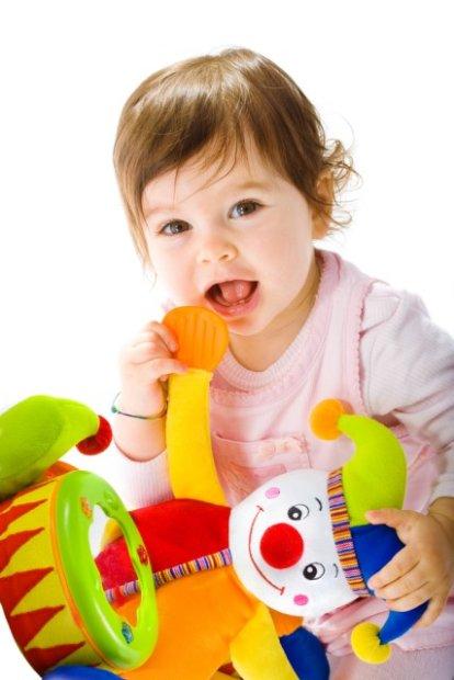 z9802454QZabawki dla dziecka musza byc bezpieczne Jakich zabawek nie kupować na prezent dziecku?