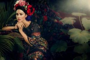739403a4001fc319512600be 300x200 Monica Bellucci na okładce Harpers Bazaar Ukraine