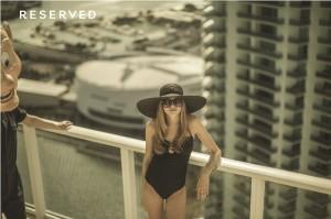 Cara Delevingne backstage wiosennej kampanii Reserved 2013 lamode.info 4 300x199 Kulisy wiosennej kampanii Reserved