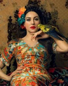 f5ae4cbf000edc92512600cf 238x300 Monica Bellucci na okładce Harpers Bazaar Ukraine