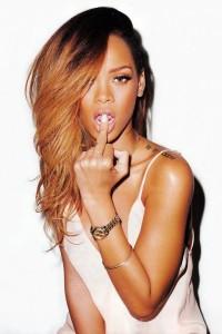rihanna fot rolling stones by terry richardson lamode 5 200x300 Rihanna dla magazynu Rolling Stone