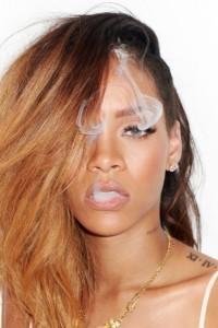 rihanna fot rolling stones by terry richardson lamode 7 200x300 Rihanna dla magazynu Rolling Stone