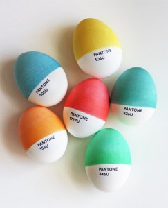 AT Pantone easter eggs 243x300 Pisankowe inspiracje