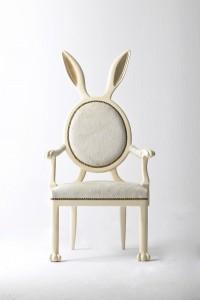 d68b7c2c38c90ea327e0a522cd9fac5f 200x300 Niebanalne krzesła