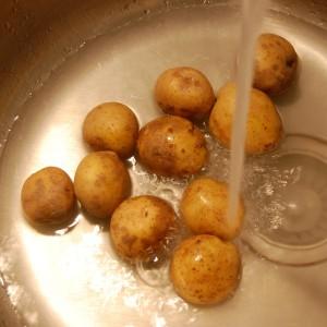 090321 ziemniaki 01 300x300 Szybkie obieranie ziemniaków