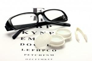 okulary kontra soczewki1 300x200 Okulary czy soczewki kontaktowe?