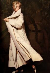 tilda chanel 3 205x300 Tilda Swinton dla Chanel w kampanii Pre Fall 2013!