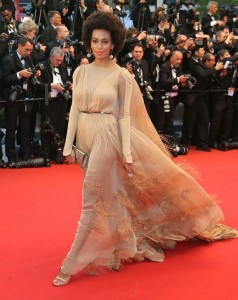 upiphotostwo238992 prev 238x300 Stylizacje gwiazd na festiwalu w Cannes!