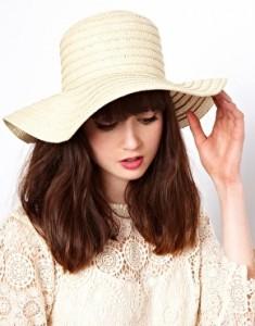 image1xl10 235x300  Słomkowy kapelusz na lato