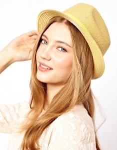 image1xl7 235x300  Słomkowy kapelusz na lato