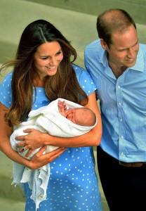 9c61a136769f081d1fe069cc42a6c41caadb84d8 208x300 Wielkie domy mody projektują dla syna Kate i Williama!