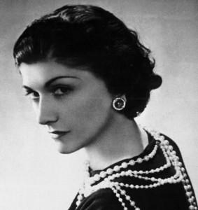 coco chanel closeup 283x300 Coco Chanel   wielka indywidualistka