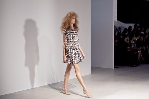 pokaz gosia baczynska paris fashion week wiosna lato 2014 lamode.info  7  300x200 Gosia Baczyńska na Paris Fashion Week