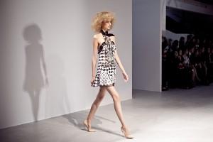 pokaz gosia baczynska paris fashion week wiosna lato 2014 lamode.info  8  300x200 Gosia Baczyńska na Paris Fashion Week