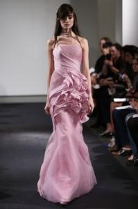 thumb 900x800 1010 199x300 Vera Wang   kolekcja sukien ślubnych na jesień 2014