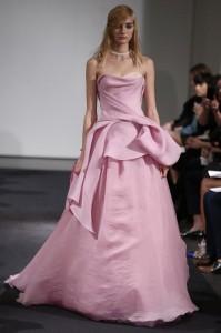 thumb 900x800 1012 199x300 Vera Wang   kolekcja sukien ślubnych na jesień 2014