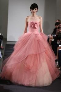 thumb 900x800 107 199x300 Vera Wang   kolekcja sukien ślubnych na jesień 2014