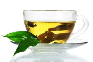 z10615814QZielona herbata orzezwia i stymuluje przez dlugi c 300x201 Dlaczego zielona herbata jest zdrowa?