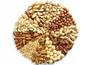 z10362548QOrzechy 300x214 Orzechy   naturalne wsparcie naszej diety