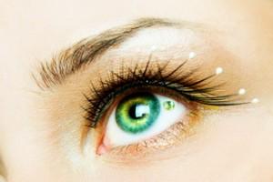 jeweleye operacje plastyczne oka 300x200 Zaskakujący trend   biżuteria na oko