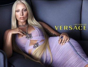 versace campaign lady gaga 300x230 Lady Gaga jak Donatella Versace