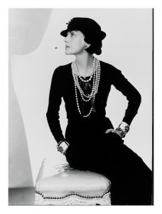 Coco Chanel 3 228x300 Ikony stylu na przestrzeni lat