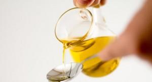 a035f86b7c1e1495364d253d70a0b724e064a9d4 mid 300x163 Walka z toksynami   płukanie ust olejem roślinnym