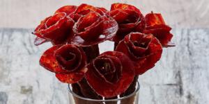 broquets 300x150 Kwiaty z suszonego mięsa najlepszym sposobem, by powiedzieć Kocham Cię