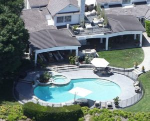 z13871313QDom Jennifer Lopez 300x243 Jenifer Lopez sprzedała swoją posiadłość