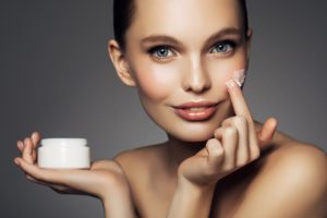 Stres oksydacyjny 300x200 Stres oksydacyjny – jak ratować skórę?