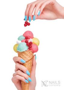 Nails Company Mare Turchese 214x300 Sei bellissima! Jesteś piękna! Trendy w manicure na sezon wiosna / lato 2017 od Nails Company
