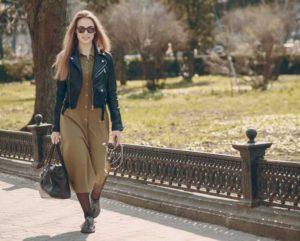 Fot 1 sukienki z wyprzedazy 300x241 Sukienki z wyprzedaży – 4 zawsze modne fasony według stylistów z portalu Lamoda.pl